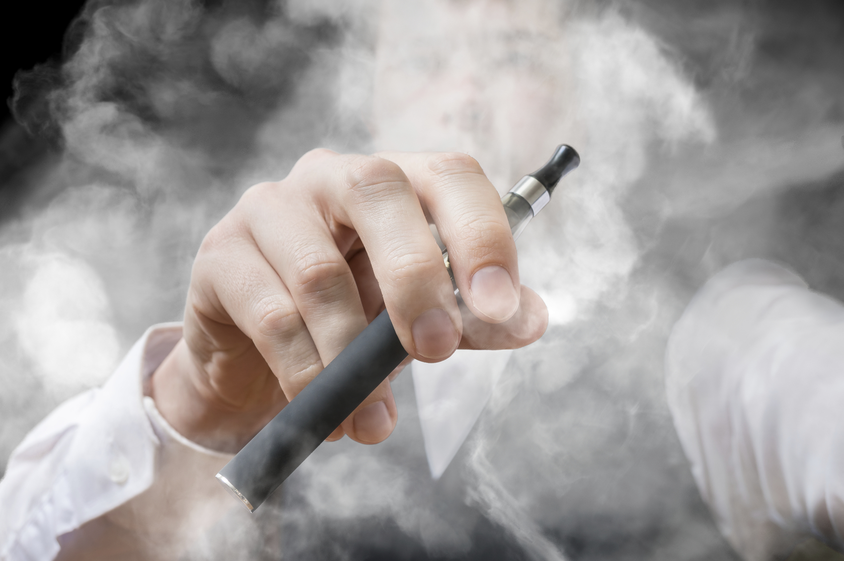 <b>E</b>-cigarettes: Good news, bad news - Harvard Health Blog - Harvard ...