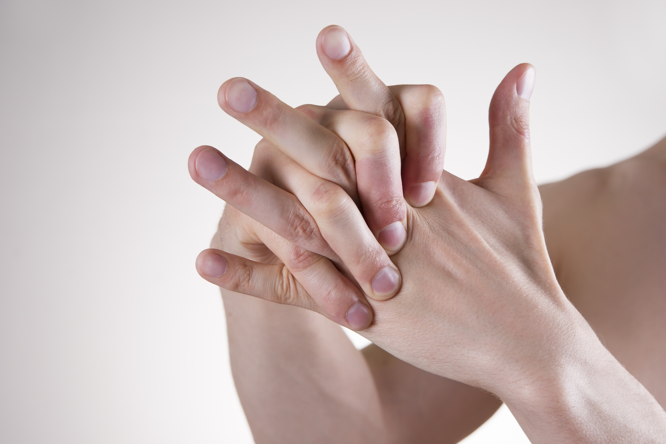Knuckle cracking: Annoying and harmful, or just annoying? - Harvard ...