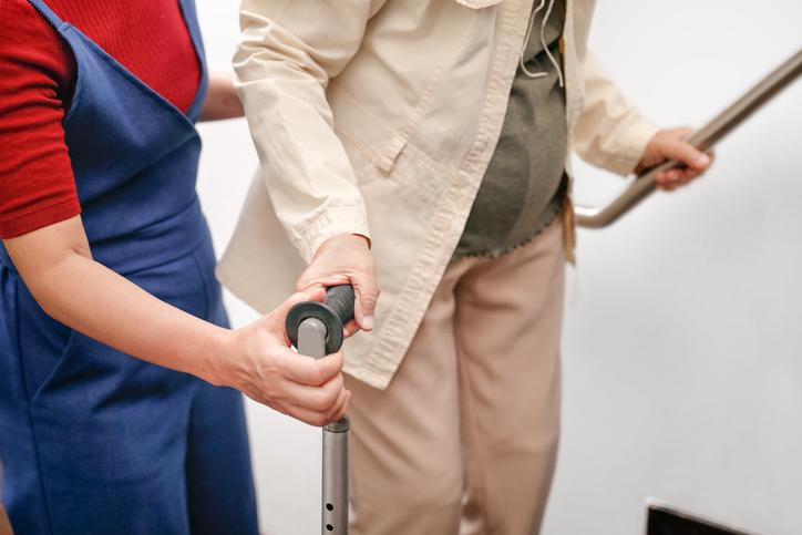 Preventing falls in older adults: Multiple strategies are better - Harvard Health Blog