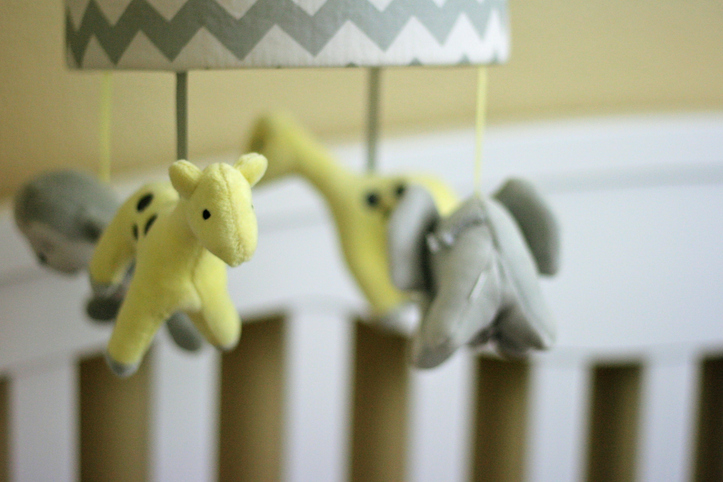 Crib mobile in green and gray for baby