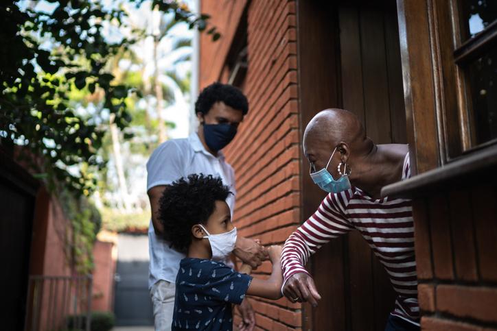 Avós: navegando pelo risco enquanto a pandemia continua 2